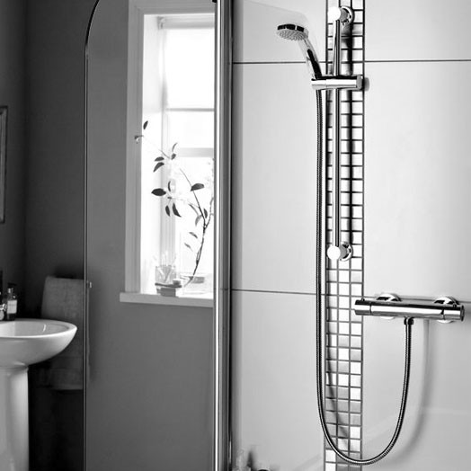 Frenzy Bar Shower with Adjustable Rise